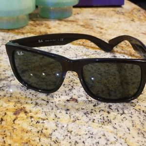 🕶Make An Offer🕶 Ray ban sunglasses